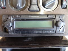 Mercedes Benz W210 ML Radio Navi Becker Audio 30 APS A2088200085